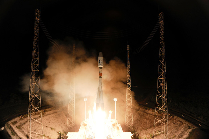 Photograph of Soyuz and Gaia liftoff