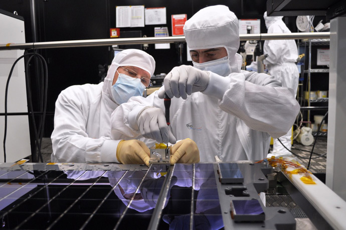 Gaia CCD array assembly